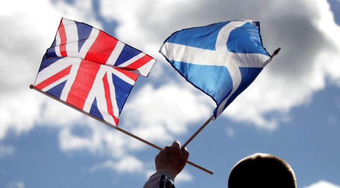 scottish_flag_and_union_jack