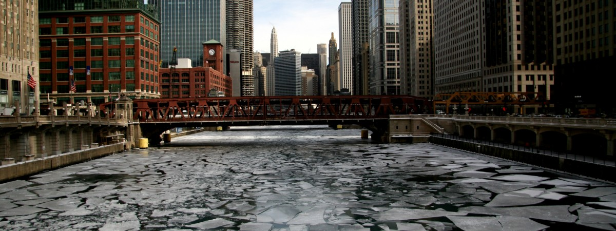 frozen_chicago_river