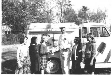 Vintage_ice_cream_truck